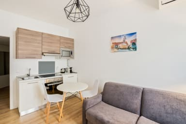 Studio with AC in the very center of Nice, Carré d'Or district – Welkeys