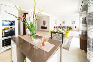 Brand new luxurious apartment with amazing see view close to Cannes center