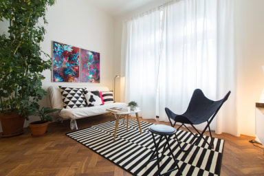 Stylish Modern Apartment for 5 people by easyBNB