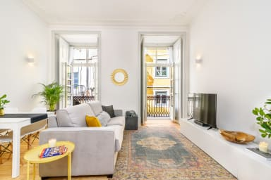 Upscale Apartment in Old Town Lisbon