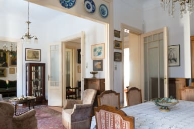 Plaka Vintage 3BR Apartment in Central Athens by JJ Hospitality