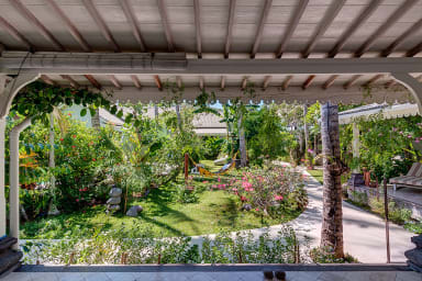 Caribbean Style Private Villa, 2 BR, Candidasa w/staff
