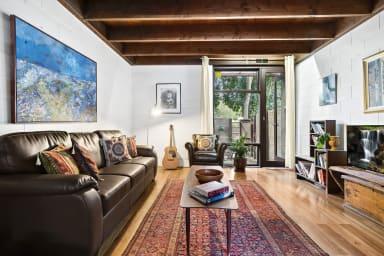 Max, Cosy Thornbury 2BDR home with art-deco interior