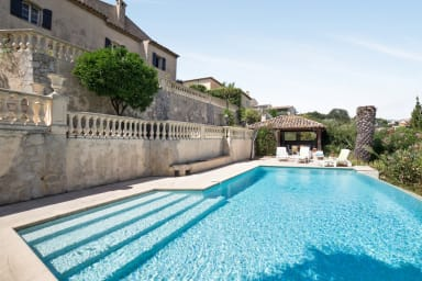 Villa provençale avec piscine et vue imprenable - Welkeys