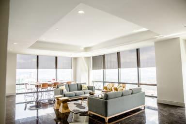 Huge Luxury Living Room
