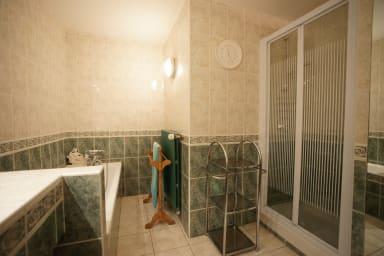 Salle de bains 1 er étage