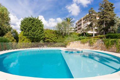 VANEAU ☀️ Apartment with sumptuous sea view, swimming pool.