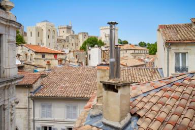 Beau T3 au coeur d'Avignon avec vue sur le Palais des Papes - Welkeys