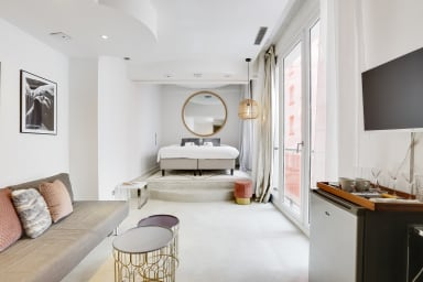 Comfy hotel room - Marais district