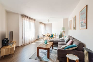 Calm and bright flat with parking in Toulouse historic heart - Welkeys