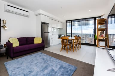 Sonny, City 1BDR close to Queen Vic Market