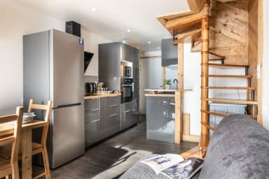(708) Great SKI-IN SKI-OUT Triplex: Charm, High Quality and Modern Comfort