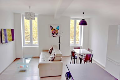 +++ 2 BR Fully renovated Cannes heart of town - 4 / 6 pax - 5 mns to Palais