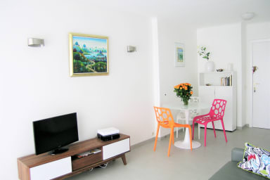 Modern one bedroom apartment near the Croisette