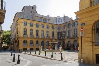 Charmant 2 pièces place d'Albertas à Aix-en-Provence !