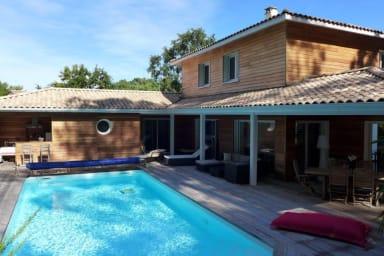 Bassin d'Arcachon - belle villa avec piscine chauffée -10 personnes