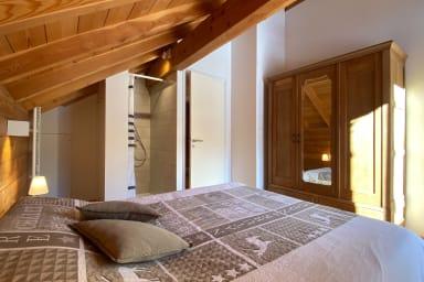 chambre plein sud avec salle de bain et balcon