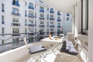 Cannes La Croisette - Vaste 3 pièces balcon, quelques pas des plages Palais
