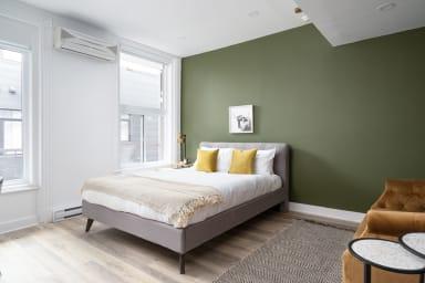 Spacious 1 Bedroom studio in DT Montreal