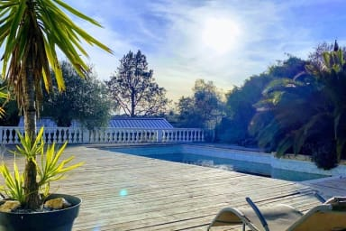 Superbe Villa moderne avec dépendance et piscine
