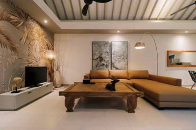 Splendid Private Villa, 2 BR, Canggu w/ staff
