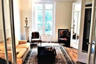 Charming and lovely, sleeps 2 - Free Covered Parking