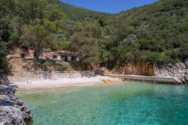Villa Trianda, a true gem just 27 steps from the beach!