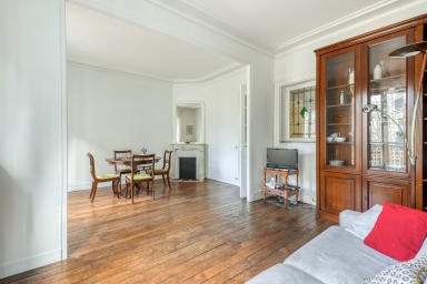 Bright and Homely Apartment in Batignolles