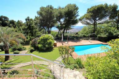 luxueuse villa sur les collines de la californie de Cannes