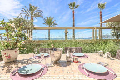 AMAZING APARTMENT IN FRONT OF THE BEACH WITH TERRACE IN CANNES CENTER