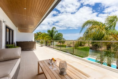 Meia Praia Luxury Villa with private pool (sleeps 8)