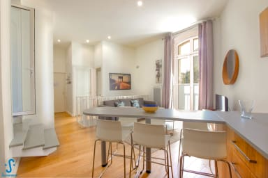 Locations Bordeaux appartements maisons villas