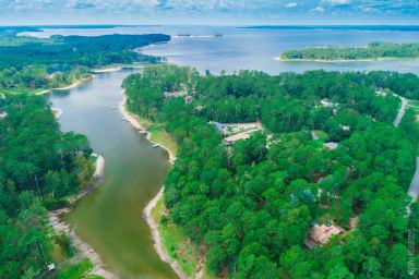 Lakeshore Lodge - Waterfront at Lake Sam Rayburn
