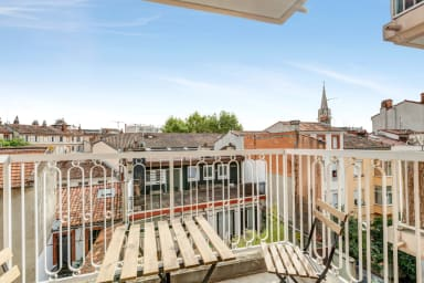 2br in Toulouse colors with balcony, close to the train station – Welkeys