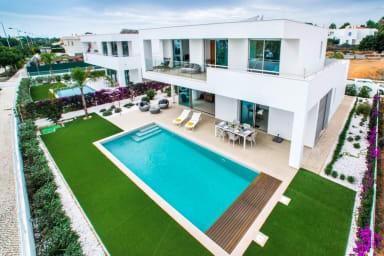 Villa Branca luxurious family villa