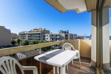 Nice studio with terrace at 2 min from the beach in Antibes - Welkeys