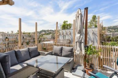 Appartement moderne avec terrasse à deux pas du parc du Ray à Nice -Welkeys