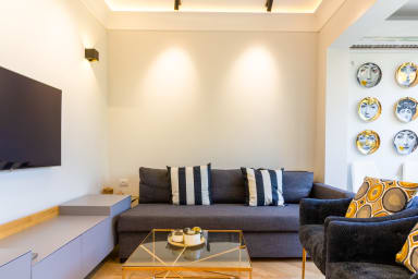 --> Wonderful apt-perfect tranquility in the city!