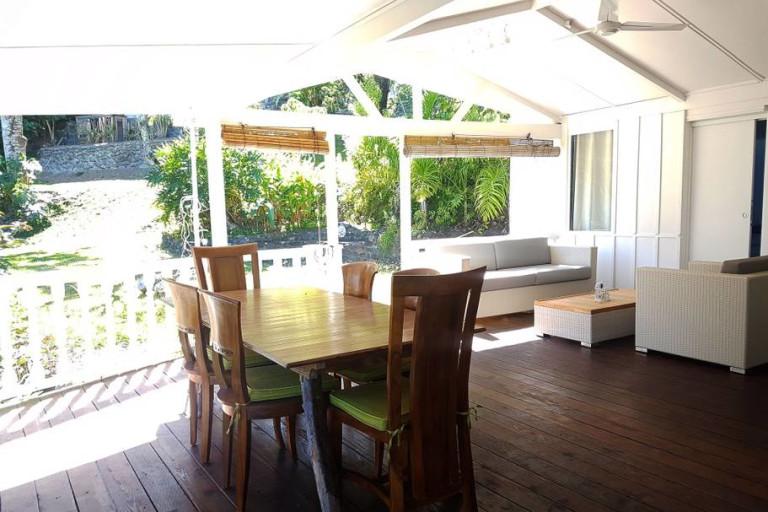 Terrasse et table à manger