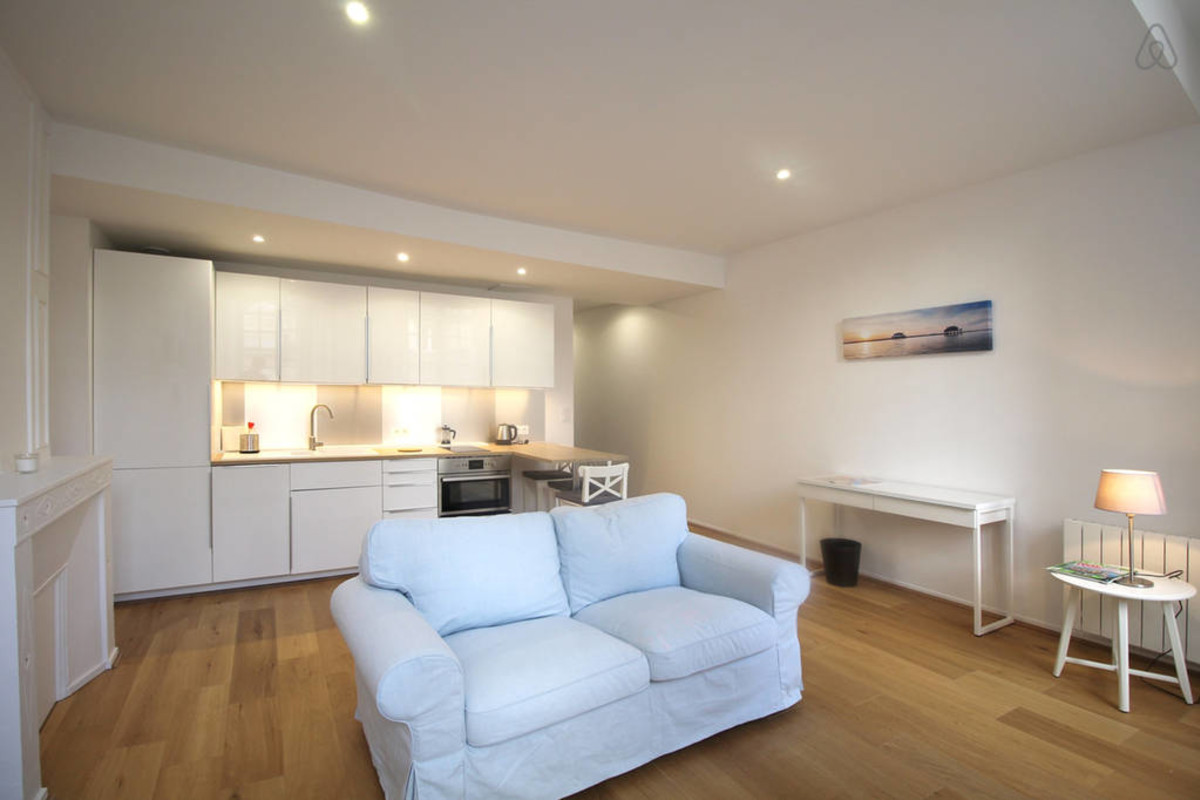 Separation Salon Chambre Studio refined apartment for 2 in the heart of the center and its