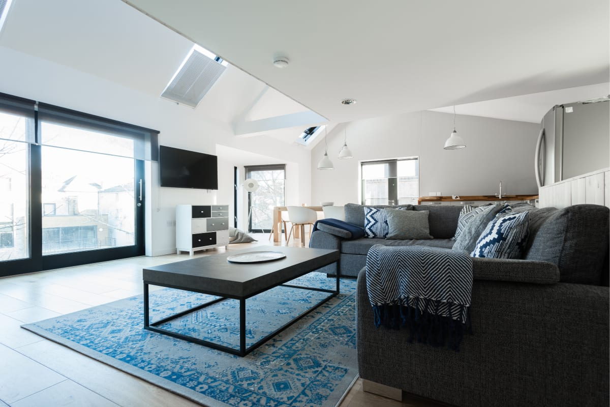 The Cliffside Loft - Distinctly Modern 3BDR Riverside Home