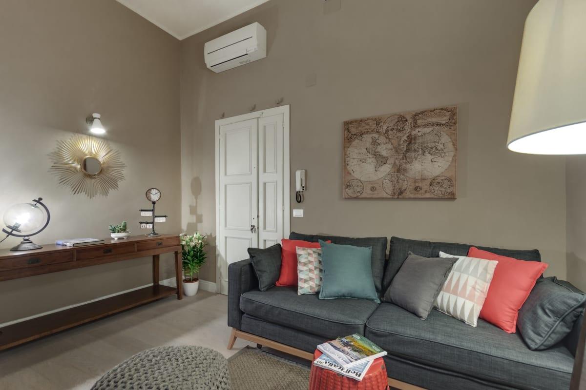 GIGLIO COURTYARD - Duomo Stylish Apartment! photo 20154412