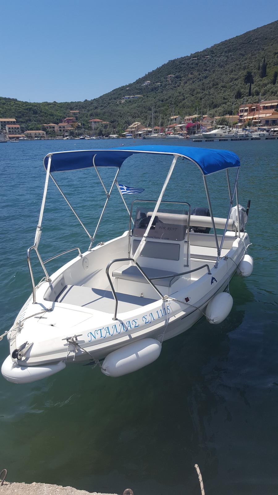 dallas speed boat for hire in sivota lefkada in sivota lefkada