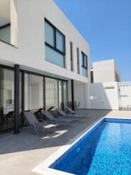 Sunny Daze Villa