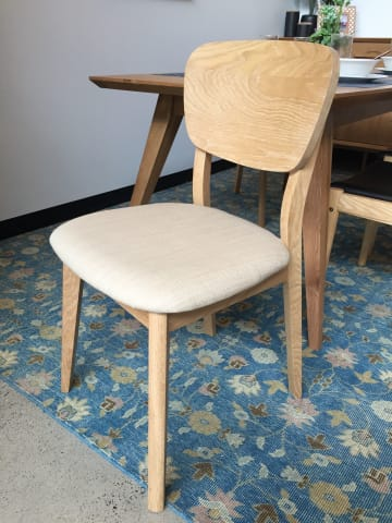 Mia dining chair 01