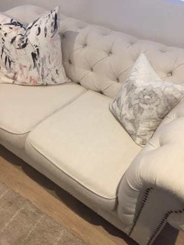 Camden chesterfield 3 seater sofa classic cream 01
