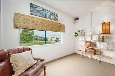 2/8 Wollongbar Street Byron Bay NSW 2481 - Image 3