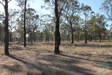 85 Macquarie Drive Leyburn QLD 4365 - Image 2