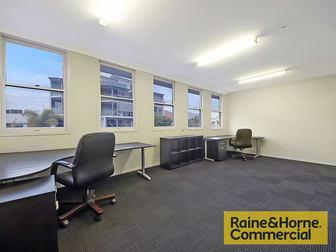 3/52 Doggett Street Newstead QLD 4006 - Image 2