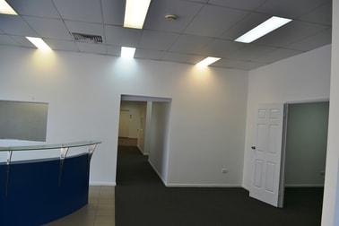1/60 INGHAM ROAD West End QLD 4810 - Image 3